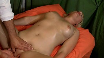 Girl 6 Massage Full Body