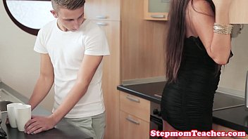 Tattooed euro stepmom shares cum with teen