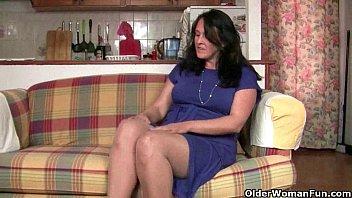 Are British moms compulsive masturbators?