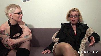 Casting anal pour 2 salopes grave prises en DP et fistees dans un group sex
