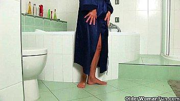 Mom's intimate bathroom secrets