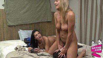 Sensual lesbains 0631
