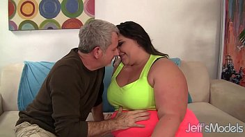 Fat whore Bella Bendz gets her pussy pounded so deep