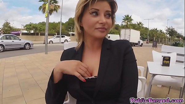 Anna do anal fucking for some easy money