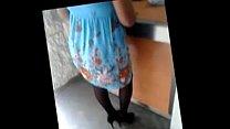 Upskirt señora en medias negras carla conti