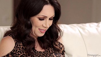 m.-In-Love RayVeness and Gracie Glam Licking Each Other Out