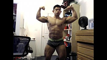 Huge Muscle Rafa Flexes - SFW