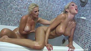 Euro Babe Puma Swede in Wet Shower with Bobbi Eden!