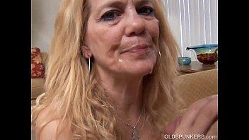 Super sexy slim older spunker loves to suck and fuck 10 min
