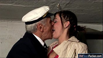 Teen Dia sucking cock of an old grandpa