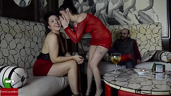 Sucking cock in the VIP area of ​​a pub