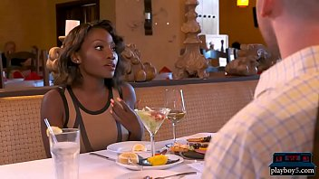 Amateur couple invites a hot black girl for a threesome