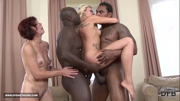 Black men Fuck White Women Deepthroat Swallow Cum Hardcore Interracial bang