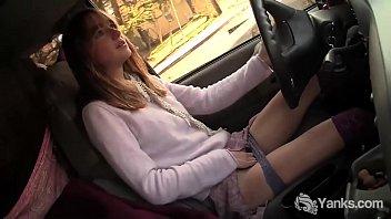 Yanks Babe Chloe Randall Masturbates In The Car 7 min