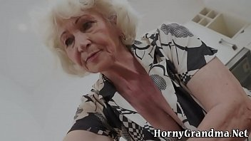 Mature grannys mouth cum 6 min