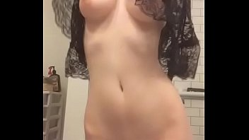 Strip Tease xxx Gorgeous Tight Body - streaptease.net