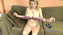 Blonde hottie Brianna Stars fucks her young pussy with toys