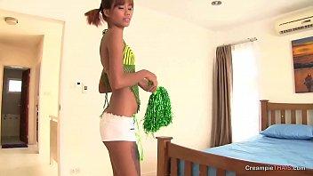 Nice teen Thai for a sex tourist's creampie