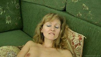 Sexy mom in stockings closeup masturbated 14 min