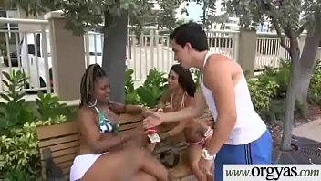 (Esmi Lee&Halle Von) Gorgeous Girl For Some Cash Get Busy In Sex Scene clip-09