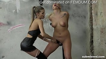 Daisy Lee getting vibed and pussy slapped