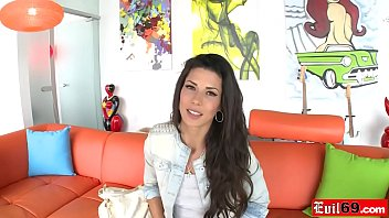 Spanish beauty Alexa Tomas gets her tight asshole reamed