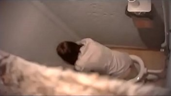 Toilet voyeur 03