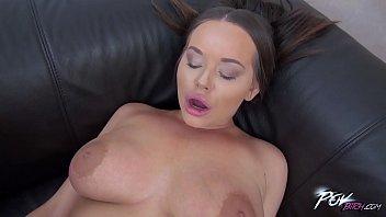 Busty sexbomb Richele Richey love deepthroat so much