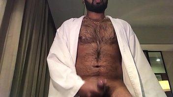 Hairy guy cumming on cam