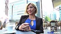 Lisa, belle milf corse, vient prendre sa double péné à Paris [Full Video]