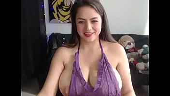 Sexy Latin milf amateur strip show