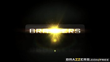 Brazzers - Moms in control - (Briana Banks, Taylor Sands) - The Loophole