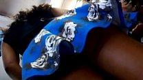 Bajo falda a mexicana muy cachonda y putita - De compras con faldita azul en Puebla