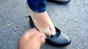 Lindos pies en flats negras de mi hermosa chica 56 sec