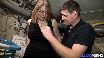 Valérie baisée dans un plan à trois avec son mari [Full Video]