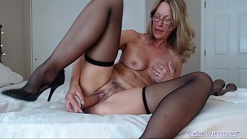 Horny Mature Camgirl The Best Camshow 10 min