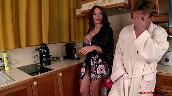 Ever-horny milf Clanddi Jinkcego blows hubby's cock before hardcore fuck