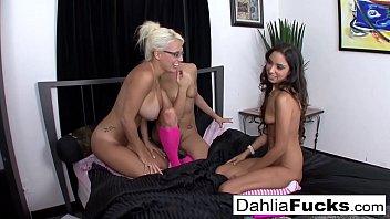 Three-Way pink sock lesbians