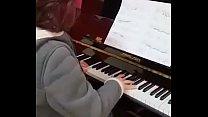 YO TOCANDO EL PIANO - ME PLAYING THE PIANO