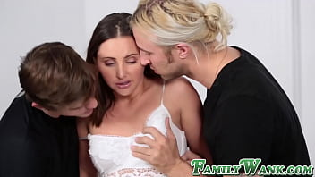 Stepsis Hope Howell double penetrated before facial