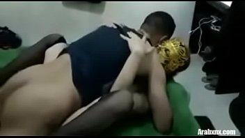 اتنين شراميط بيتناكوا جامد اسمع احلى كلام مصري