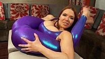 Super Stretchy Redhead Shows Off Flexibility in Spandex