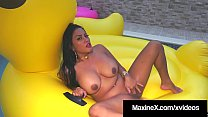 Cambodian Cougar Maxine X, Finger Bangs Her Cunt On Big Duck
