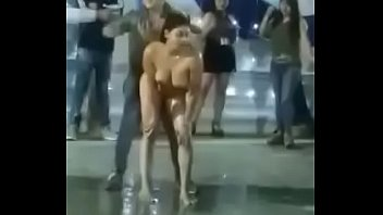 veneca hace un striper desnuda en peru