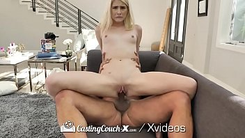 CASTINGCOUCH-X Casting Agent Picks Up Naive Newcomer