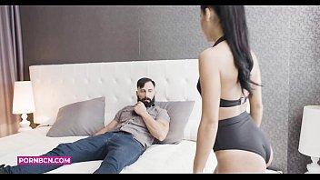 PORNBCN 4K Porn for women |El sicario follando hardcore con la h. del narco Apolonia Lapiedra en xNarcos porno español para femenina. Con planos del latino musculoso Eric Manly con su polla enorme.