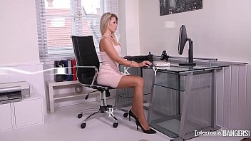 Interracial bangers Mary Kalisy gets pussy gaped with bbc at the office 12 min