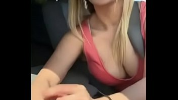 Kaley Cuoco Gives handjob in her car (Leaked) 3 min