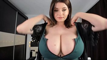 Huge titted Hottie