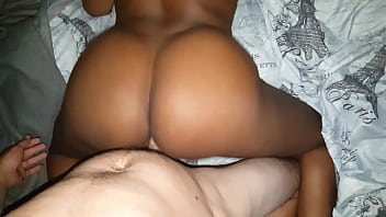 EBONY MILF TAKING BWC FROM BEHIND